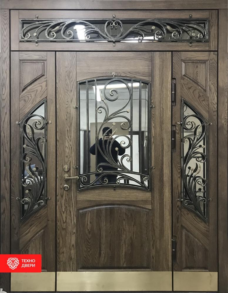 Парадная дверь из массива дуба со стеклом и ковкой, МД-34