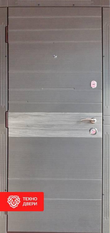 Дверь МДФ и напыление коричневая / МДФ белый , 21444 внешняя сторона